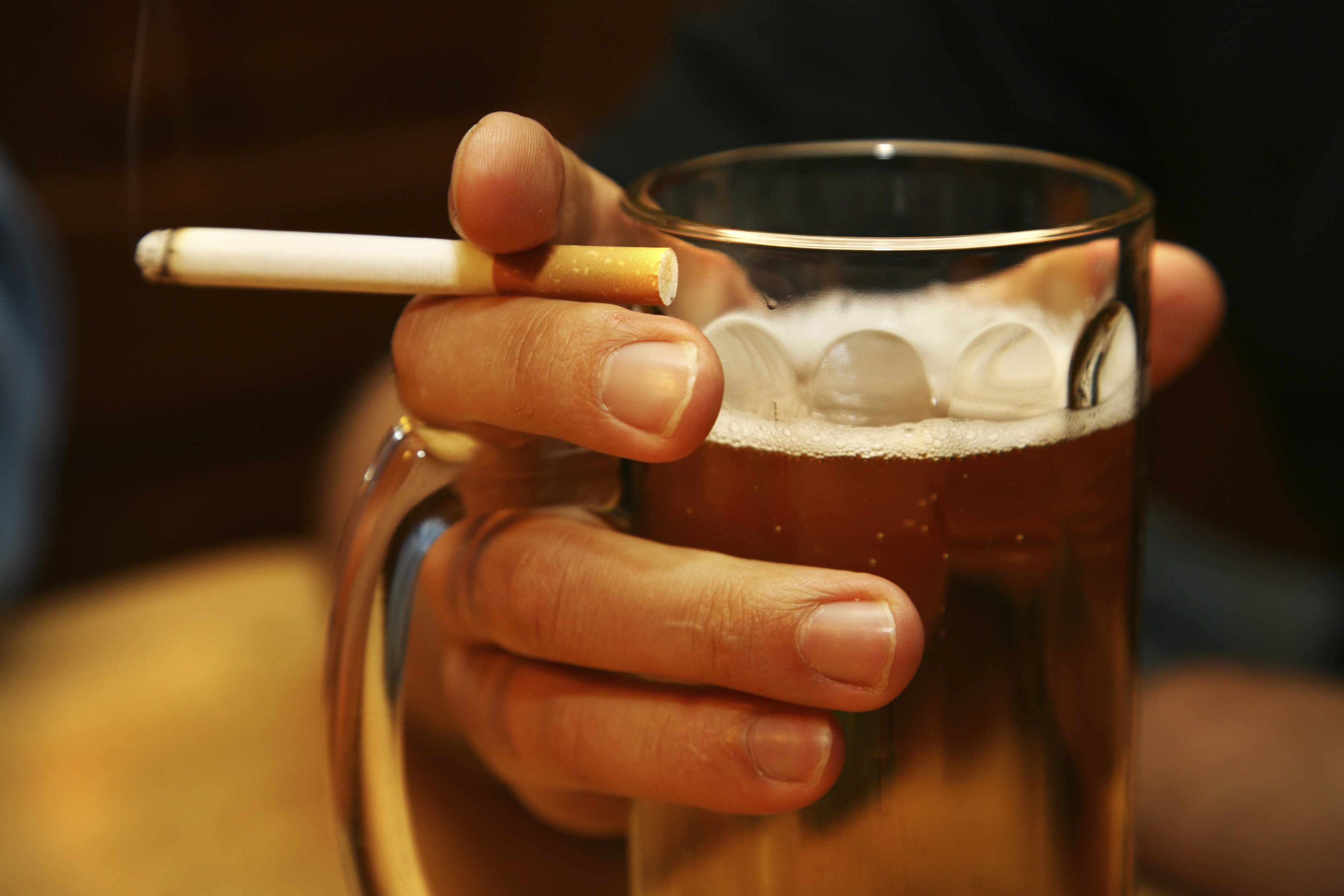 alcoholism and smoking essay Essays related to the effects of alcohol 1 alcohol's long-term effects on the body the effects of alcohol on sleep and attention span are complicated, and have.